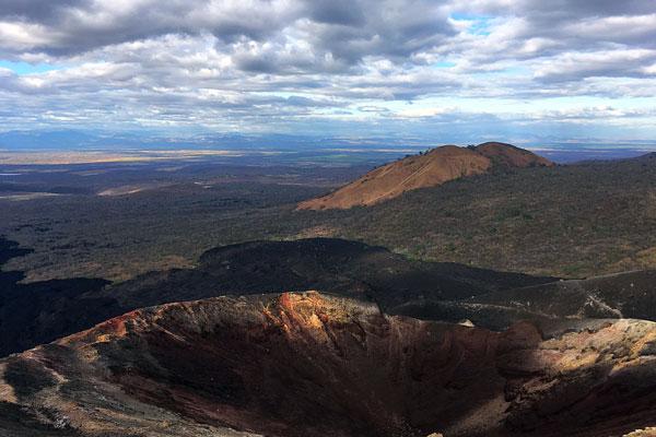 Vulkan Surfen Cerro Negro Krater