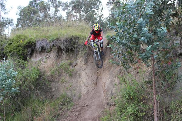 mountain biking ecuador Lumbisi